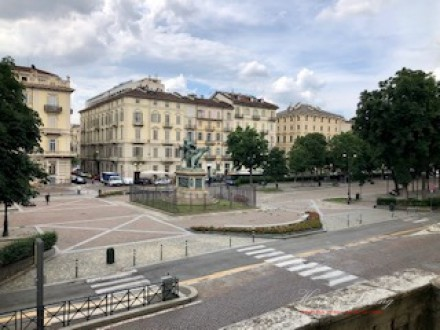 Solferino Square. Exclusive Office