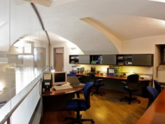 office in prestigious building - 12