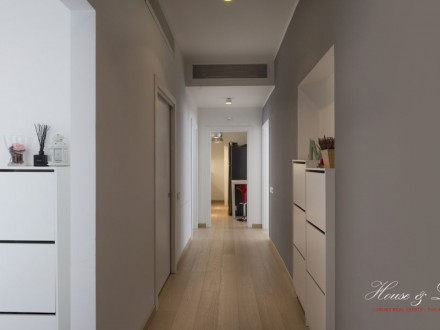 Close San Carlo Square - Exclusive Flat - 187 MQ
